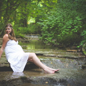 Styled Outdoor Maternity Photography – Jackie