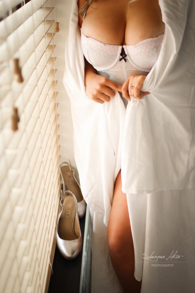 boudoir on wedding day